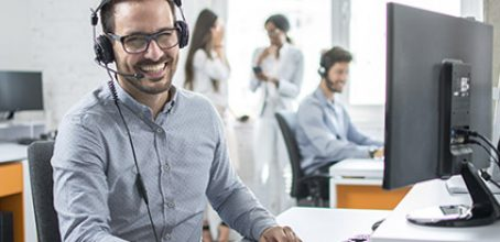 Educación de la voz y control del estrés en la atención telefónica